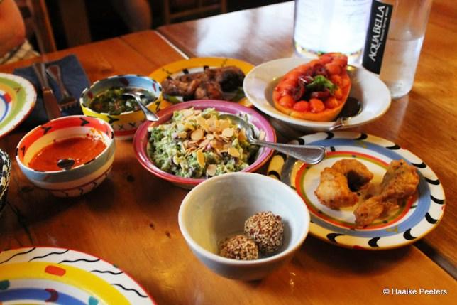 The Africa Café(Le petit requin)