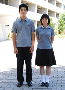 九州学院高等学校の女子の制服1