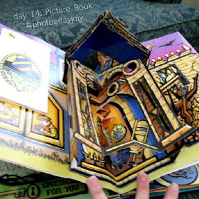 #DailyBookPic day 14: Picture book (THE WIZARD OF OZ, pop-up edition)