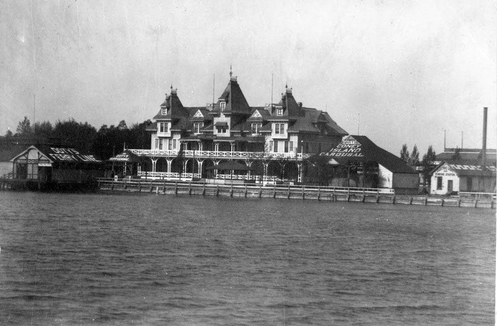 photo-Toronto_HanlanHotel_1885to1895
