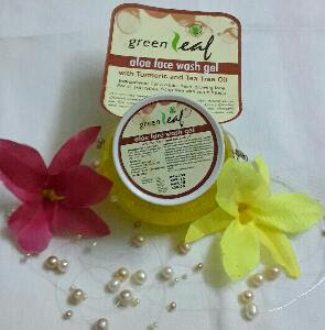 Review of Brihans green leaf aloe face wash gel with turmeric and tea tree oil 1