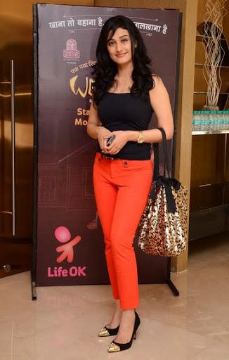 Ragini Khanna Height