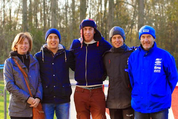 Familie Wallays op de foto. De mama en papa en hun zonen Jelle, Jens en Arne Wallays