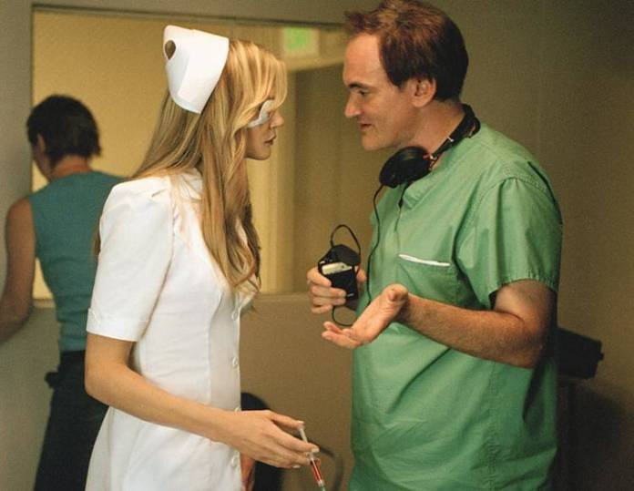 Tarantino siempre gusta de hacer alguna pequeña aparición en sus películas