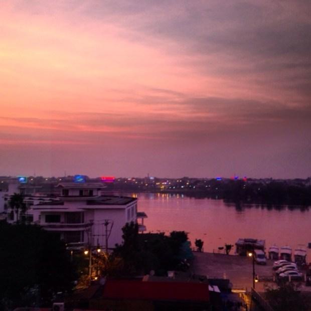 sunset_hue_river