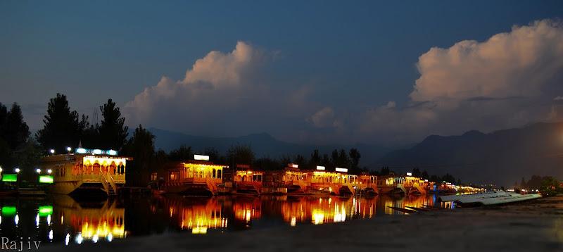 Dal lake at dusk