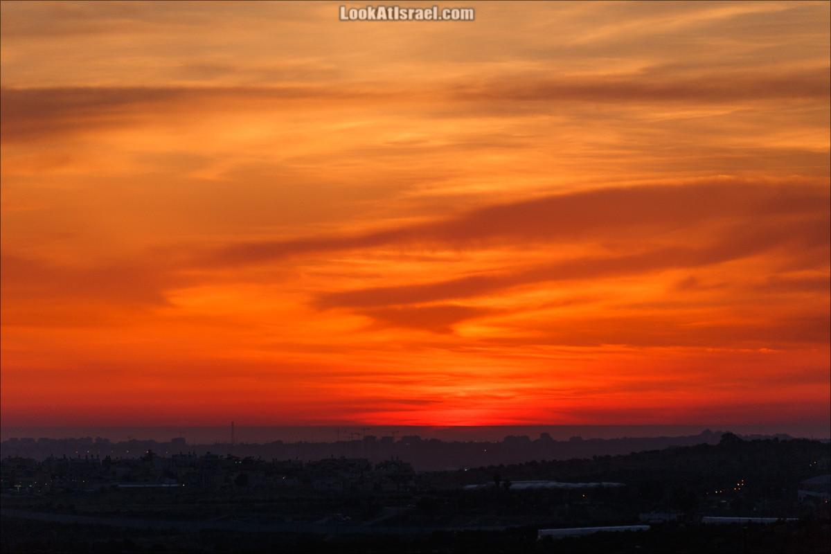 Тель-Авив на закате. Вид из Самарии | LookAtIsrael.com - Фото путешествия по Израилю и не только...