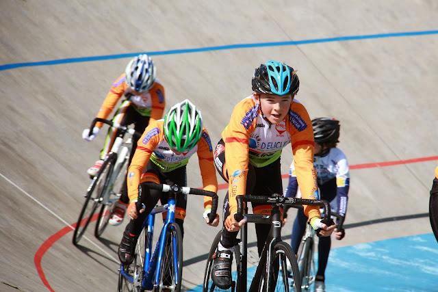 training op de wielerpiste