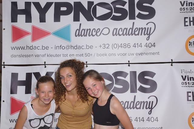 Louise Lannoo en Emy Deruyter met Morgane op de foto