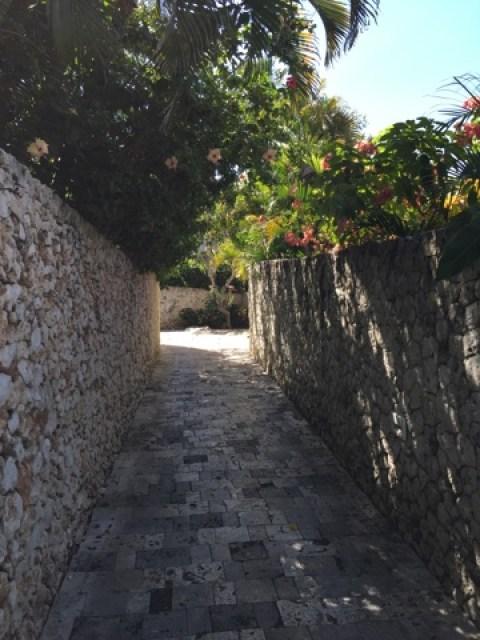 バリ島 Spaへの石垣