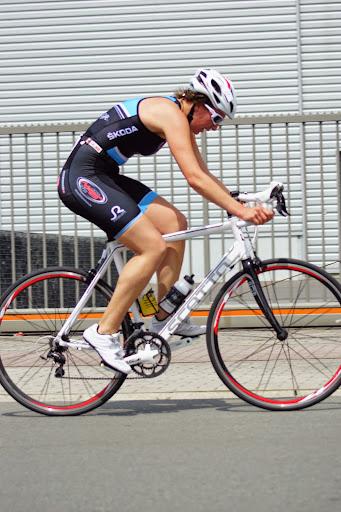 Liesbeth Vandevelde - 1/8e triatlon Roeselare - 1 juni 2014