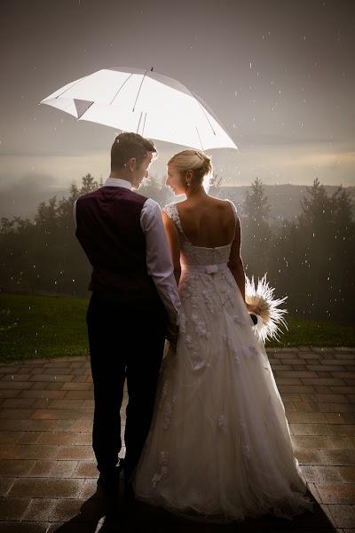 porocni-fotograf-destination-wedding-photographer- bride-groom-slovenija-ljubljana-zenin-nevesta-poroka-fotografiranje-poroke-bled-slovenia- hochzeitsreportage, hochzeitsfotograf,hochzei (44).jpg