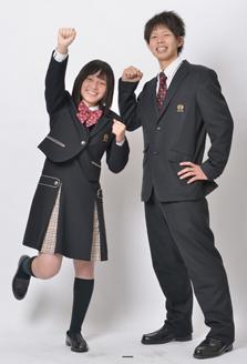 龍谷高等学校の女子の制服4