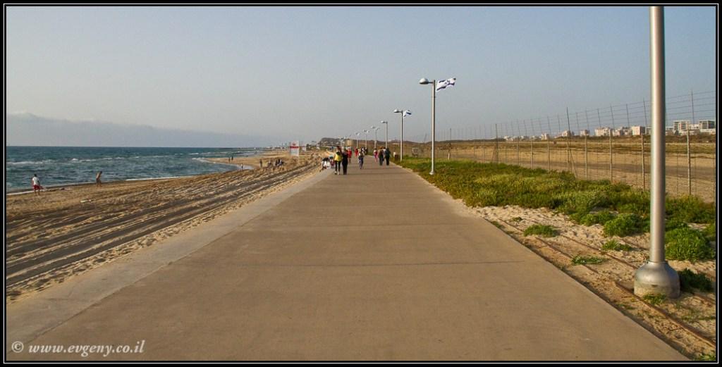 Что может быть приятней прогулки вдоль моря