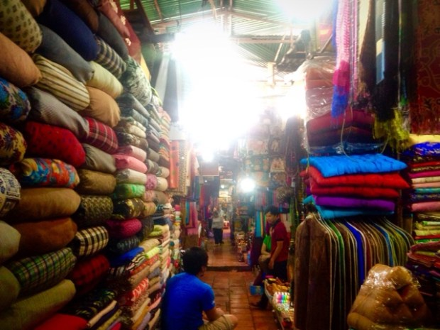 russian market phnom penh