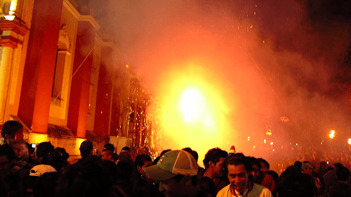 The metallic cross beside the Catedral de San Cristóbal de las Casas started off the fireworks show with spinning fireworks metres away from the crowd. Here they are running away from the lights and smoke. I had tears in my eyes. These types of fireworks show would never be allowed in Canada/US! I'll upload the video when I get a chance but it's 13 mins long and will need a solid internet connection.