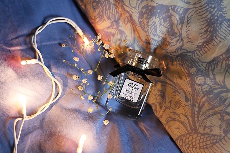 Une brume d'oreiller parfumée au lotus blanc pour un sommeil paisible.