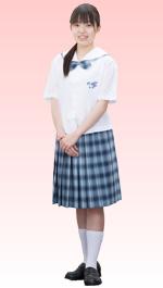 宮崎日本大学高等学校の女子の制服4