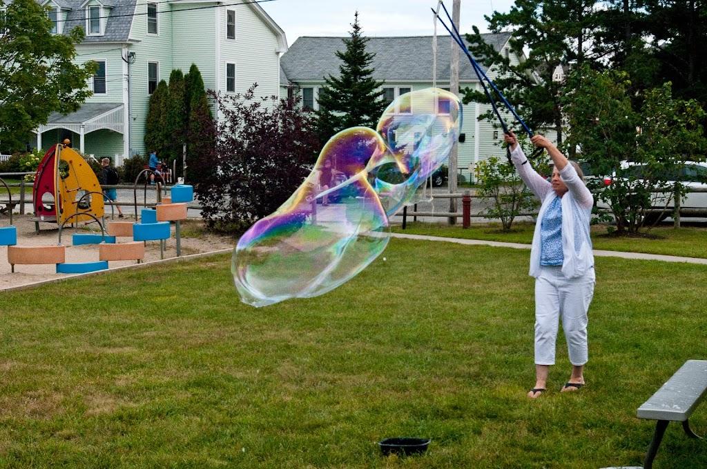 Ferry Beach-Bubbles-34