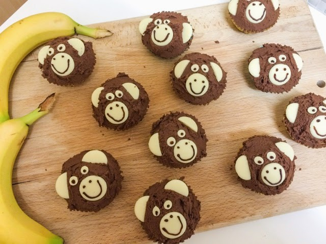 Baking // Banana, Chocolate & Walnut Monkey Cupcakes