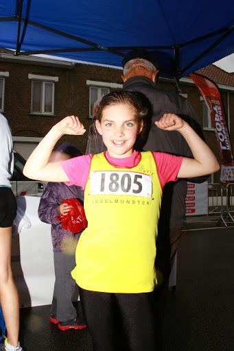 Maité Debels won bij de meisjes de 1000 meter kidsrun
