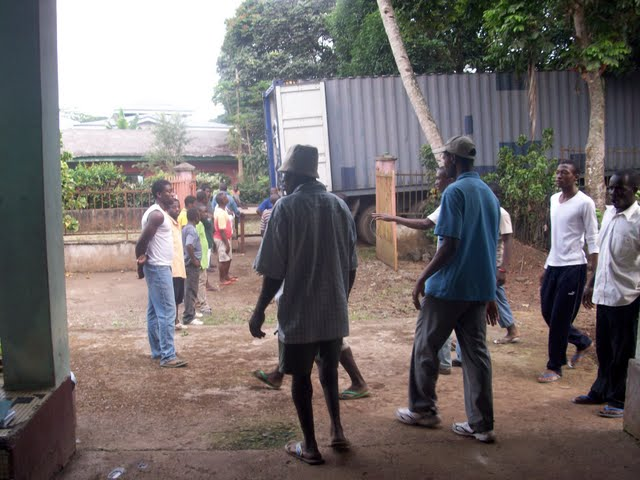 Container Arrival & Offloading in Buea - 100_9066.JPG