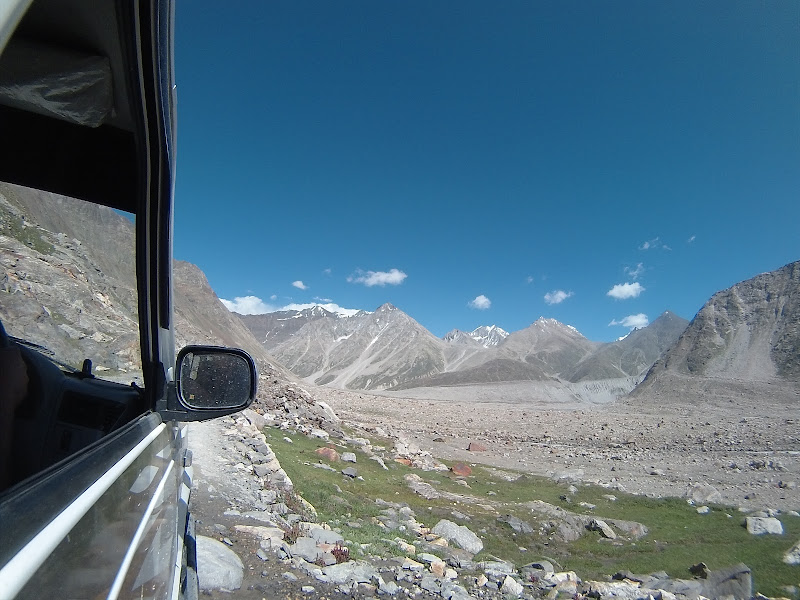 Road to Chandertaal Lake, Hampta Pass Trek