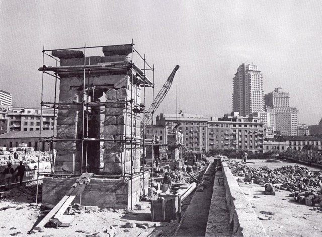 Reconstrucción del Templo de Debod en Madrid