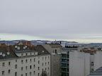 Bei aktuellen 5 Grad bleibt es heute ziemlich bedeckt in Wien-Favoriten aber noch trocken. Morgen ändert sich jedoch das Wetter und es wird besonders am Nachmittag einige Zentimeter Neuschnee geben. #wetter  #wien  #favoriten  #wetterwerte