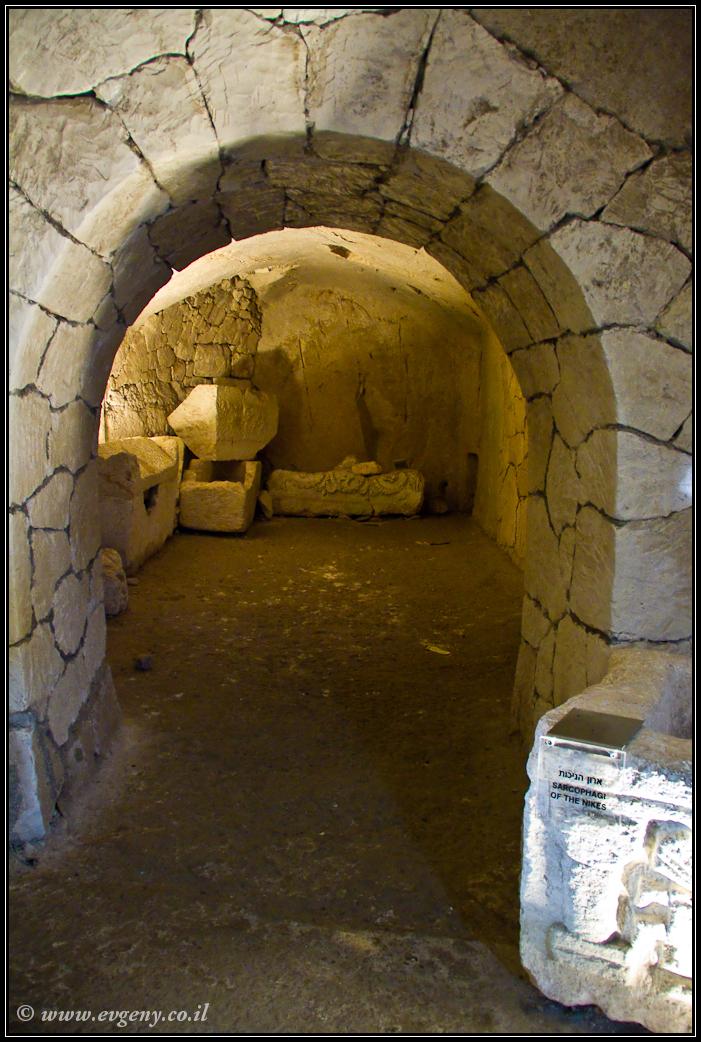 Некрополь в Бейт Шеарим | Necropolis in Beit Shearim | LookAtIsrael.com - Фото путешествия по Израилю