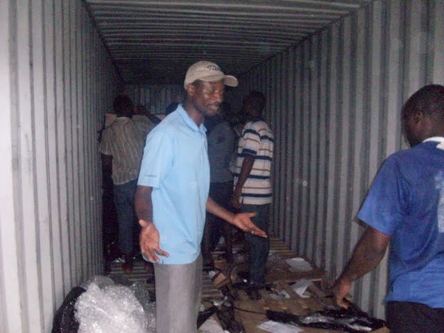 Container Arrival & Offloading in Buea - 100_9097.JPG