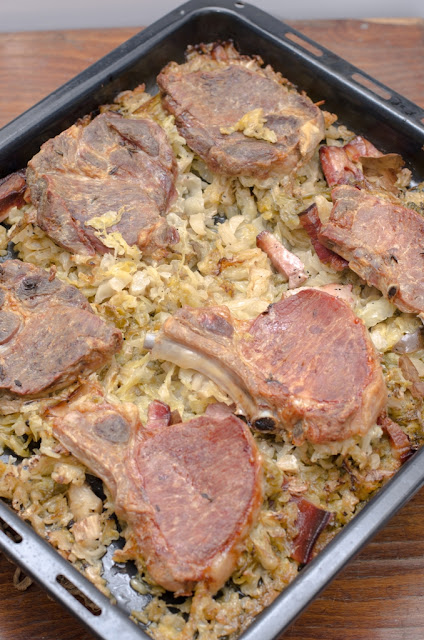 Cotlete de porc cu varza acra