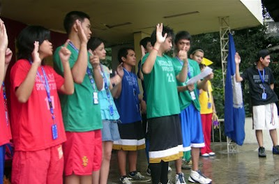 Mark Sampang leads oath of sportsmanship.