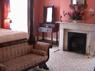 0470Inside_a_Southern_Mansion_-_New_Orleans