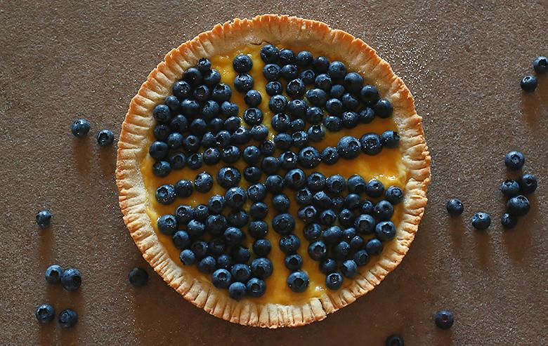 mango and blueberry pie, original dessert, easy pastry cream, dessert with mango, fruity recipe
