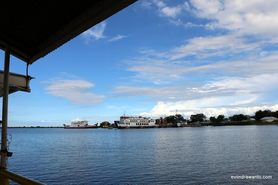 Pelabuhan Kayangan Lombok