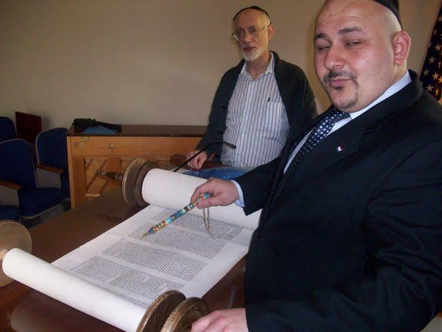 IVLP 2010 - Visit to Jewish Synagogue in IOWA - 100_0855.JPG