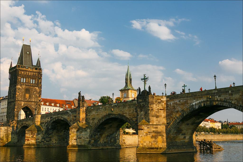 Староместкая башня и Карлов мост