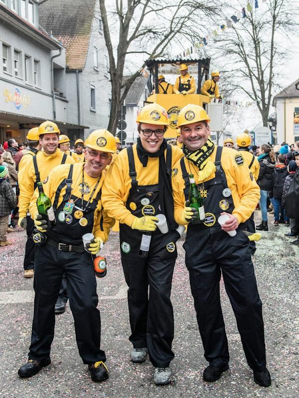 Neuenburg wird großi Kreis(el)stadt - Fasnachtsumzug 2015 (3/6)