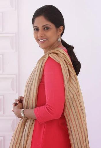Nadhiya Moidu Body Size