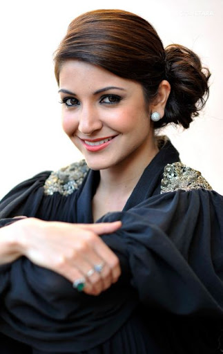 Anushka Sharma hot
