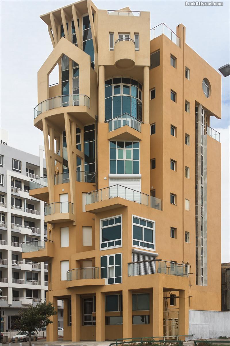 Необычный дом в Тель-Авиве | The Ugly House | וילה משותפת | LookAtIsrael.com - Фото путешествия по Израилю