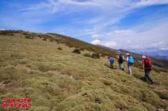 La vista de la cima estimula al más pequeño, que toma la delantera ©aunpasodelacima