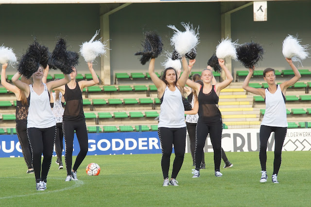 cheerleaders SV Roeselare
