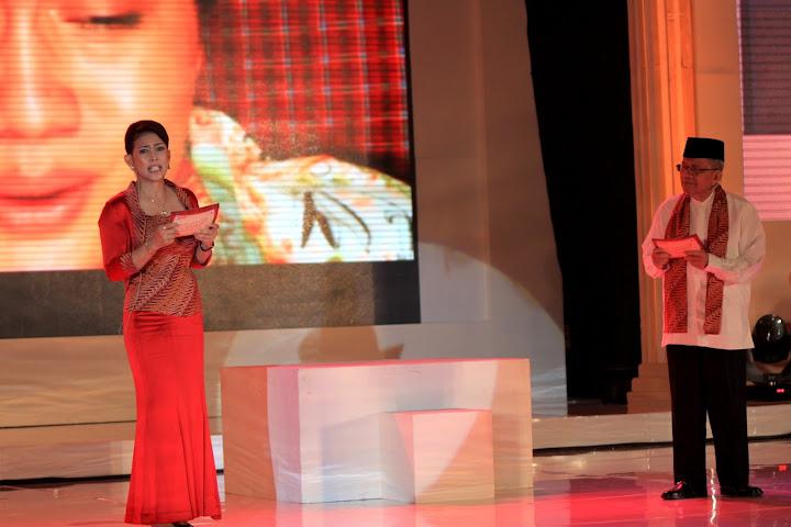 taufik ismail dalam srikandi award 2012