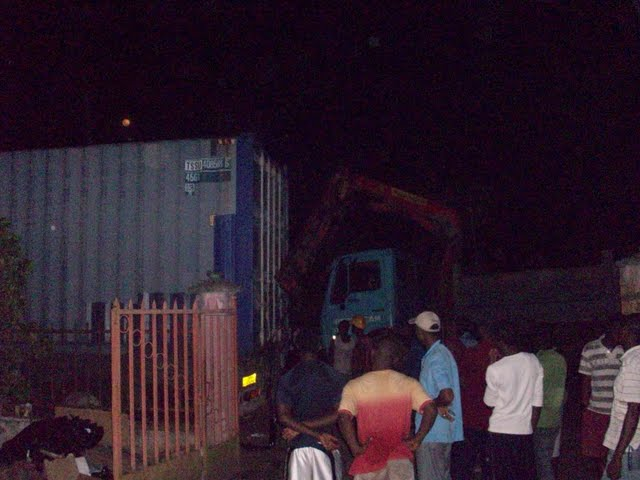 Container Arrival & Offloading in Buea - 100_9130.JPG