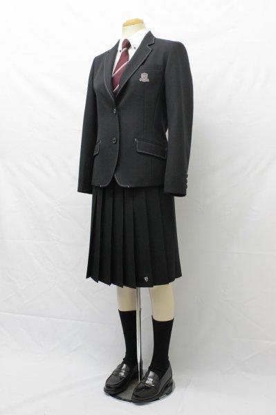 鳥取城北高等学校の女子の制服