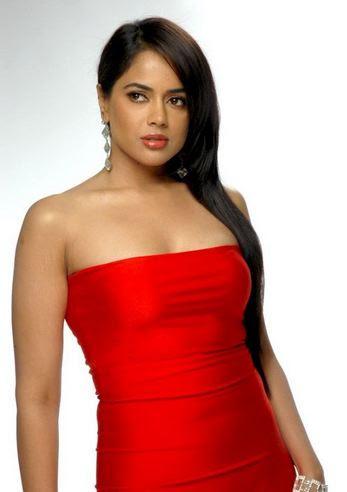 Sameera Reddy Body Size