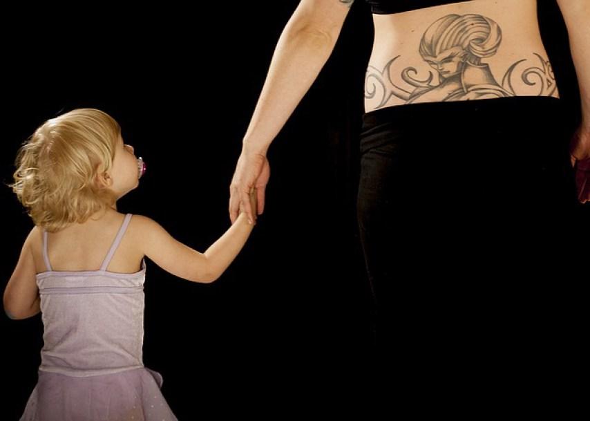 padres-familia-ejemplo-los-niños-ven-escuchan-empatia-solidaridad-valores