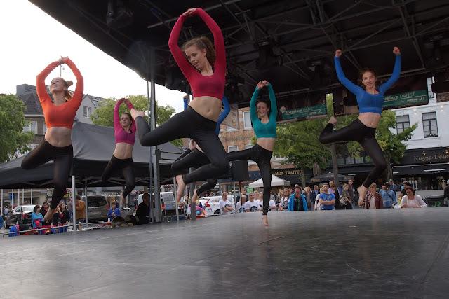 Hypnosis Dance Academy tijdens Roeselare Danst op de batjes 2015 in Roeselare